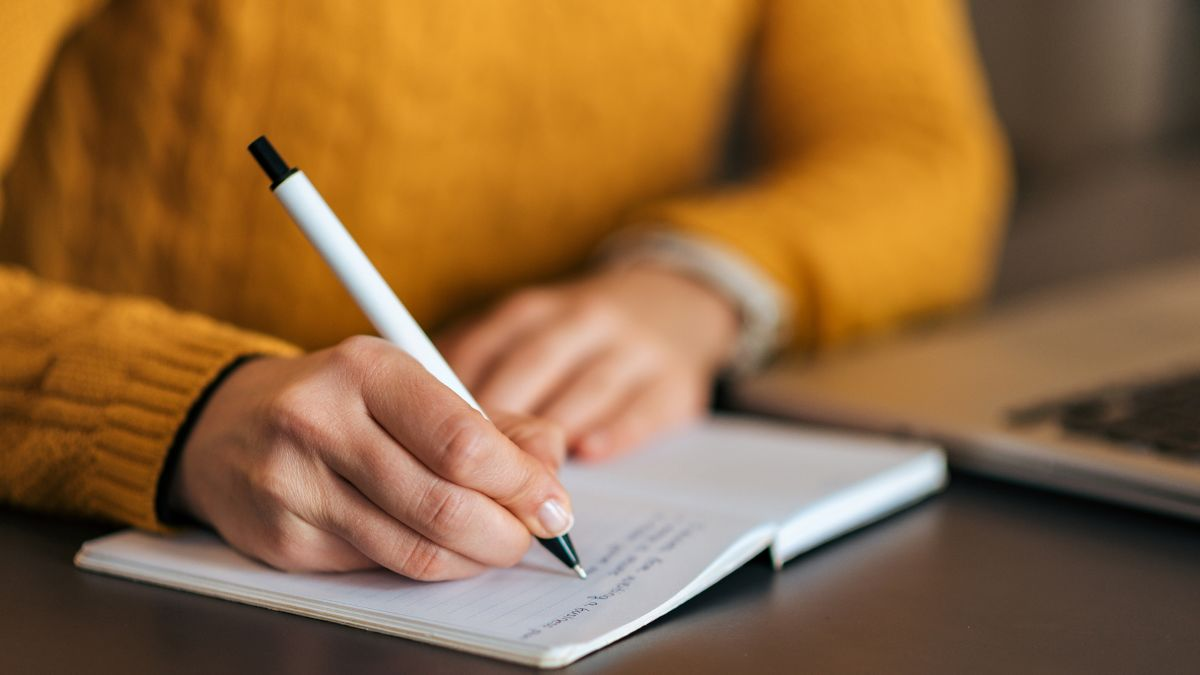 5 Best Online Writing Courses For Your Homeschooler This Summer
