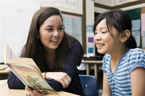 A Parent's Guide to Empower a Struggling Middle Schooler Reader