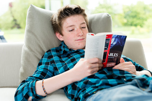 A Parent's Guide to Empower Struggling Middle School Readers